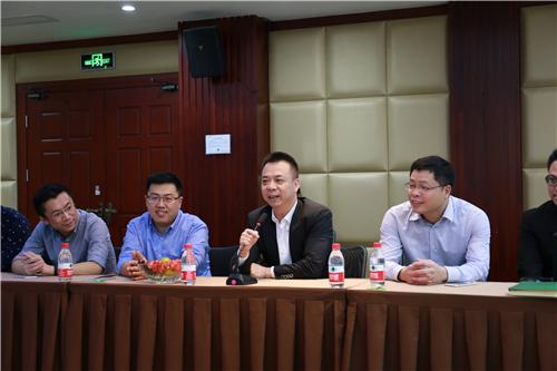 同学们与杨清金导师及其高管团队座谈_副本.jpg