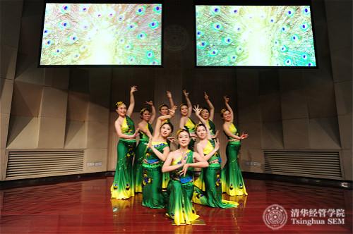 舞蹈队表演《舞韵瑜伽 彩云之南》_meitu_10.jpg
