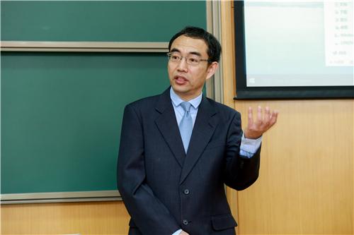 图1责任教授IMG_3959谢滨.jpg