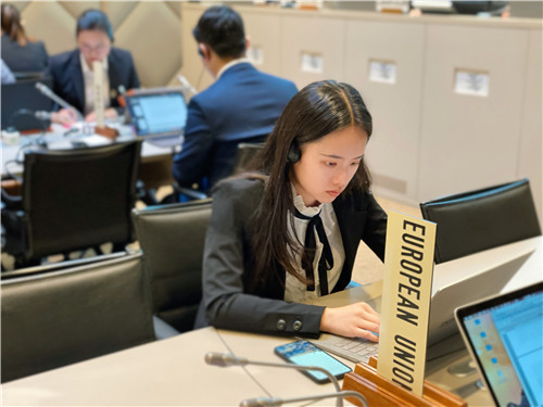 冉詩睿在WTO學習.jpg